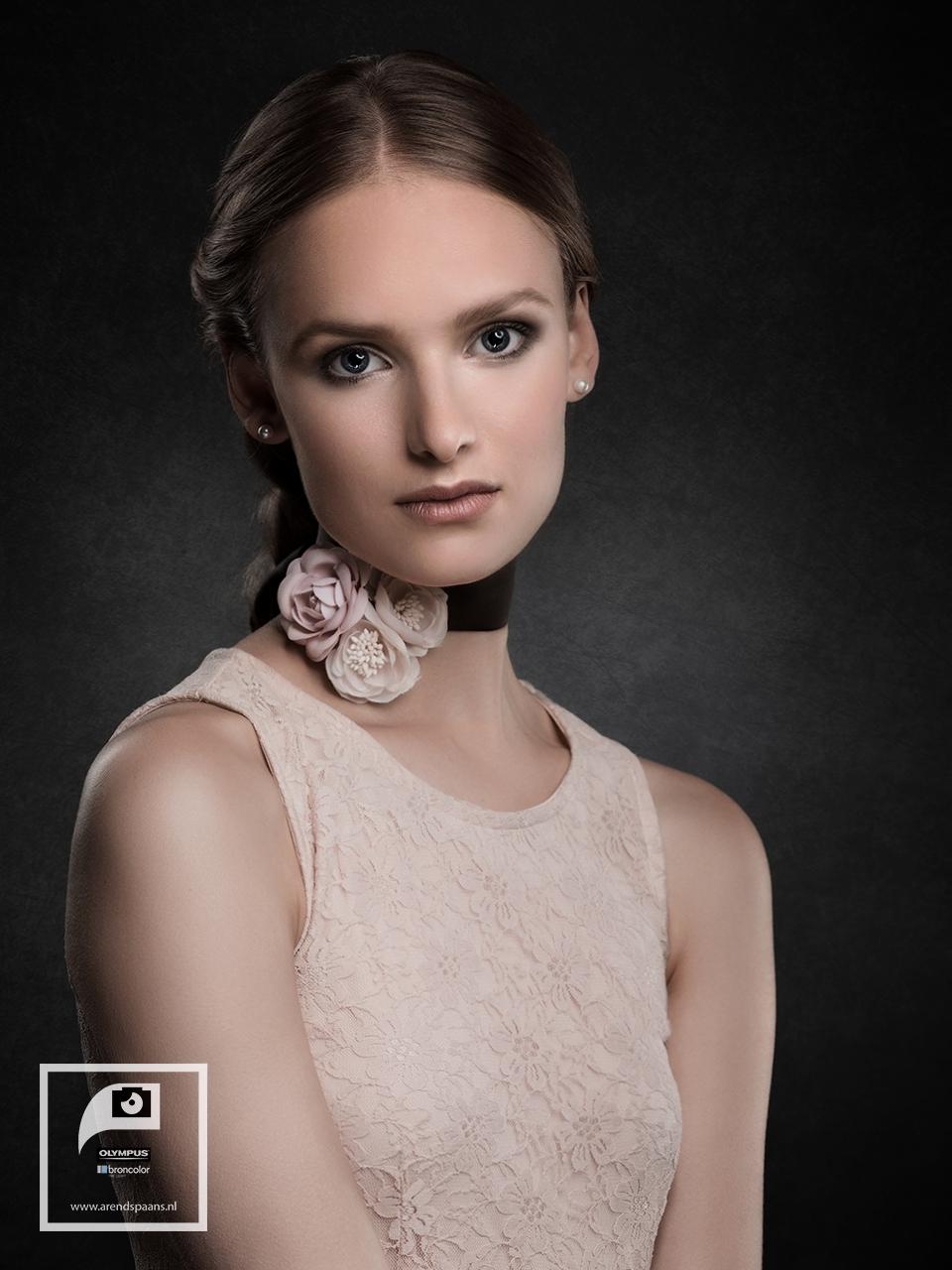 Model: Mieke MUA: Belinda Terrisse