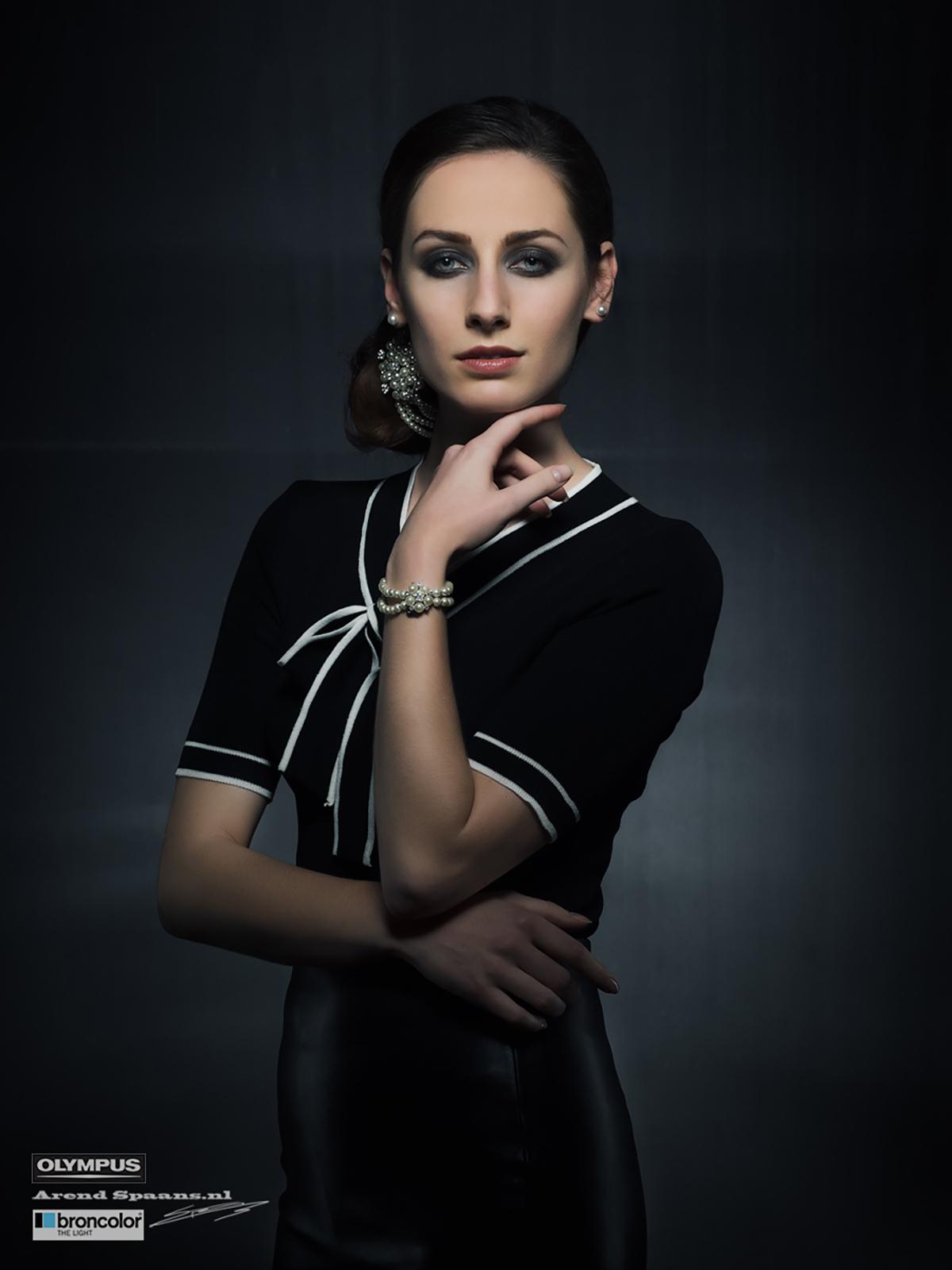 Model: Sunna Nuféglise Visagie: Anne Loos
