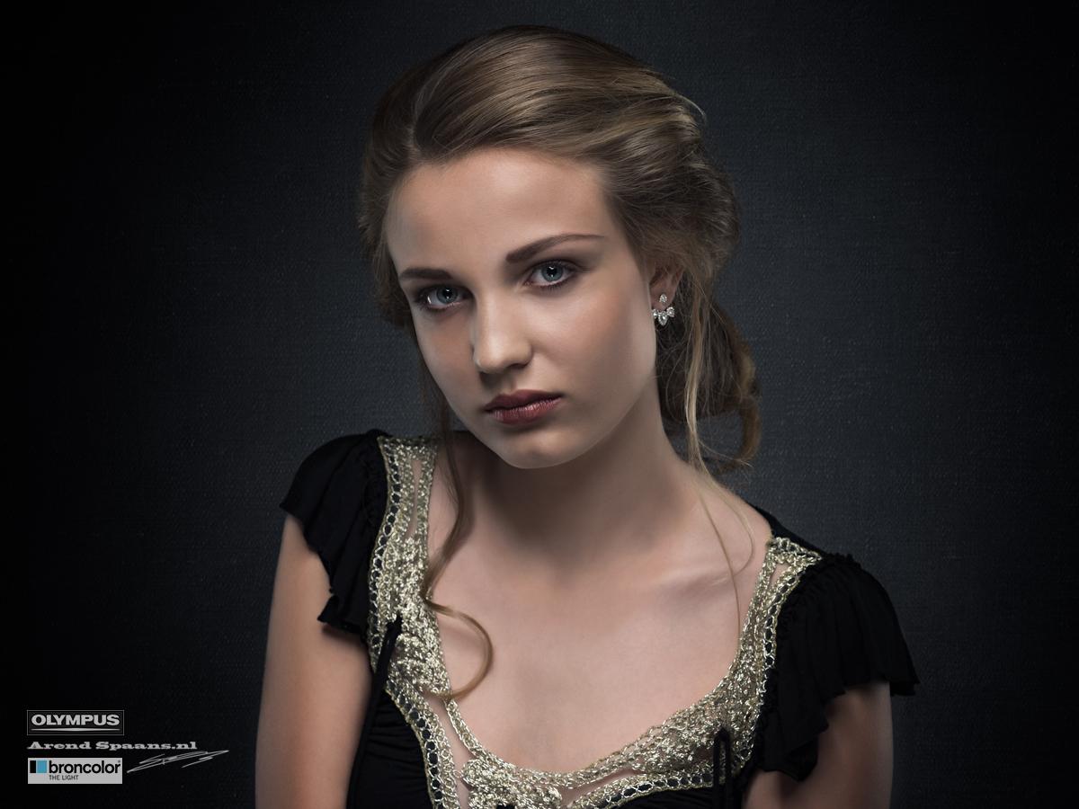 Model: Lois Visagie: Eva Maria Haar: Antoinette Waaijerink